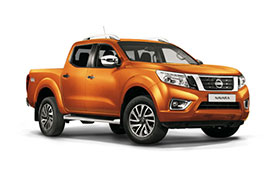 Nissan Navara in orange
