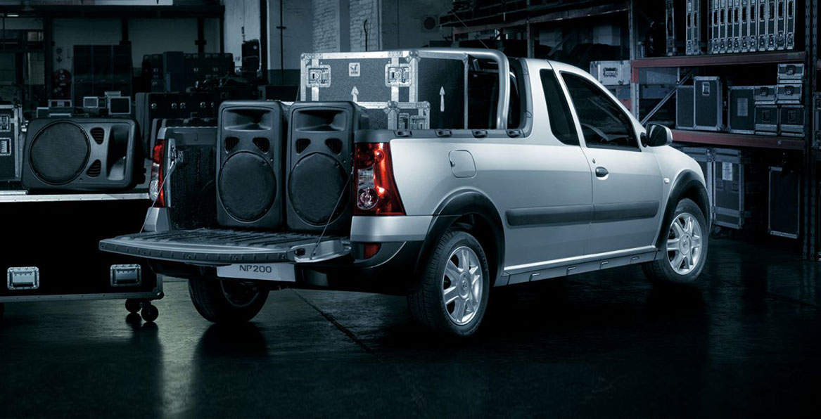 New car: Nissan NP200 back view