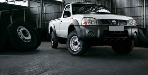 Nissan NP300 front view