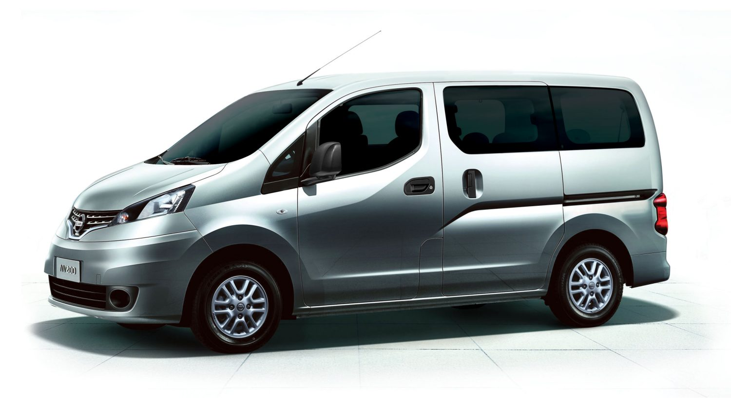 new nissan nv200 nissan nv200 combi for sale nec. Black Bedroom Furniture Sets. Home Design Ideas
